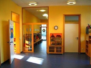 kindergarten heilig kreuz. Black Bedroom Furniture Sets. Home Design Ideas